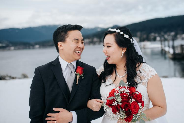 rocky point park winter wedding photo