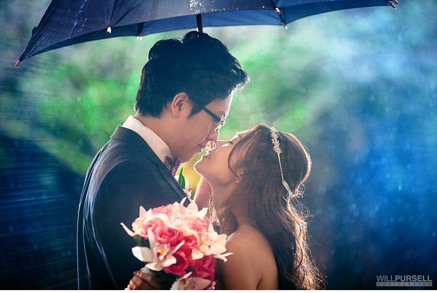 rain wedding photo 17
