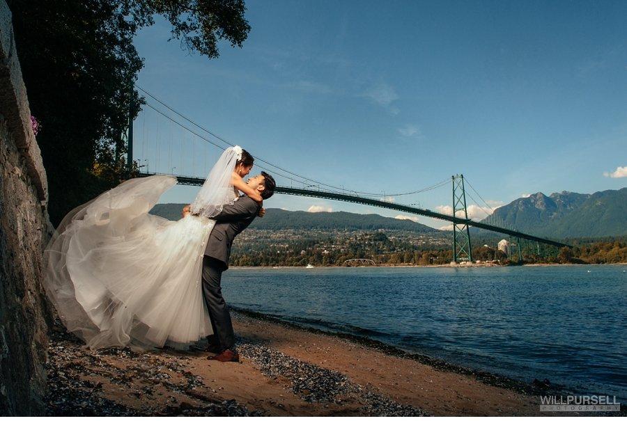 lions gate bridge vancouver wedding photo