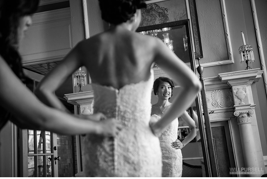 Wedding photography hycroft vancouver bride getting ready black and white