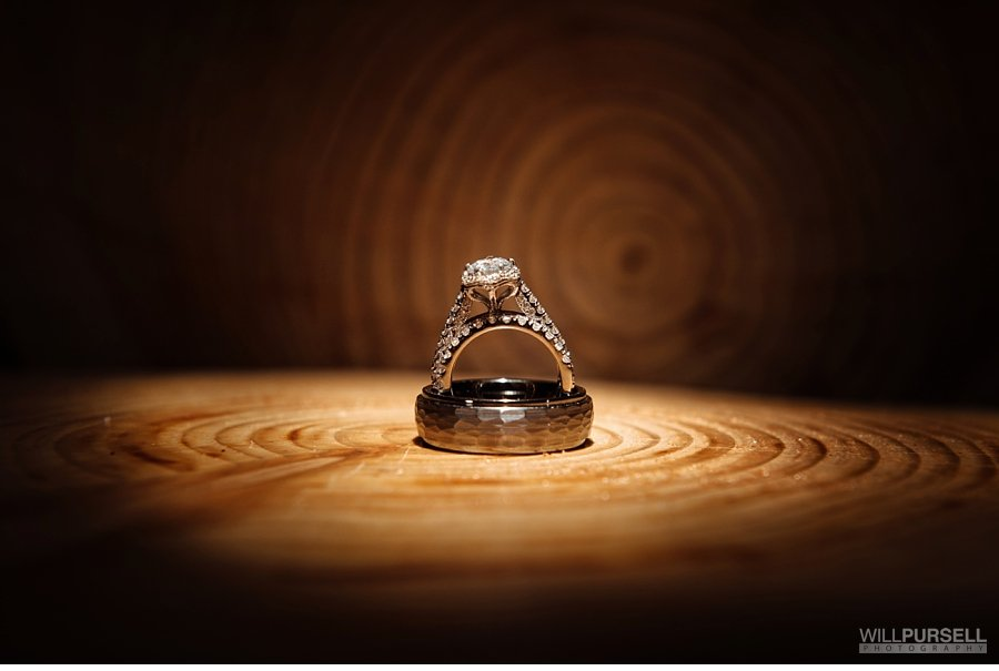 ring wedding photo on wood nature