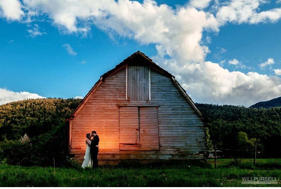 wedding photos barn abbotsford