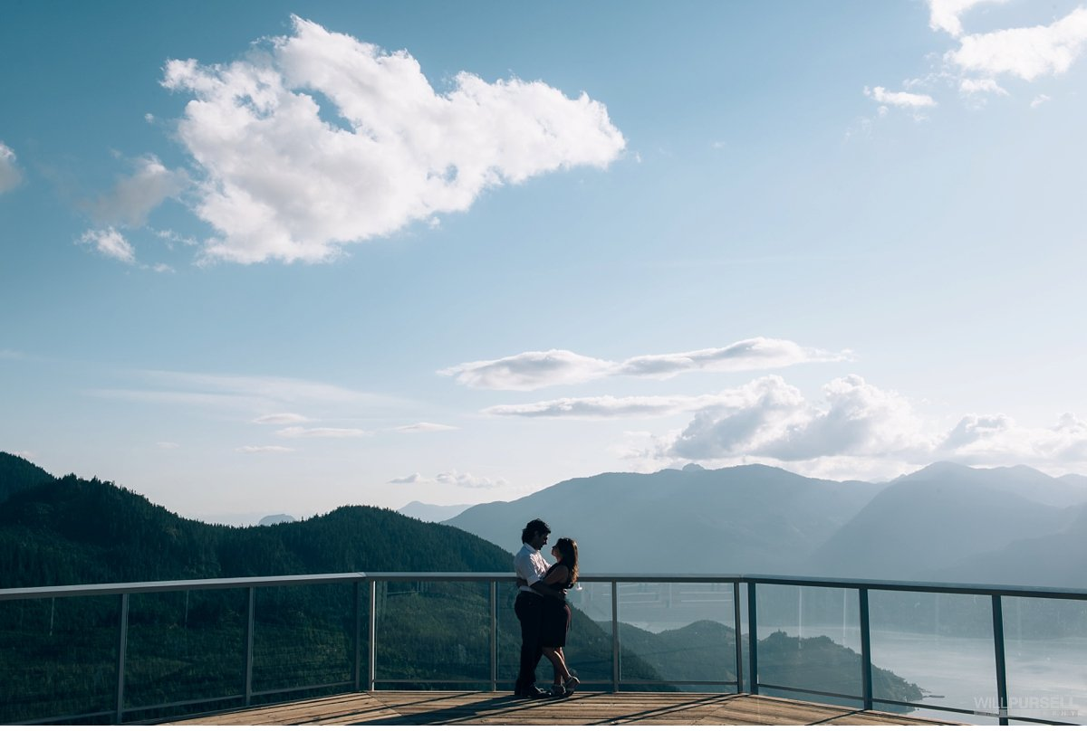 engagement session at sea to sky gondola