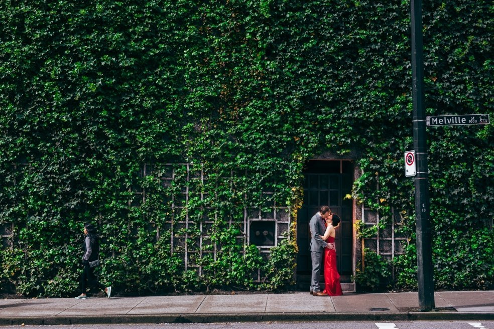 006 - vine building wedding photos