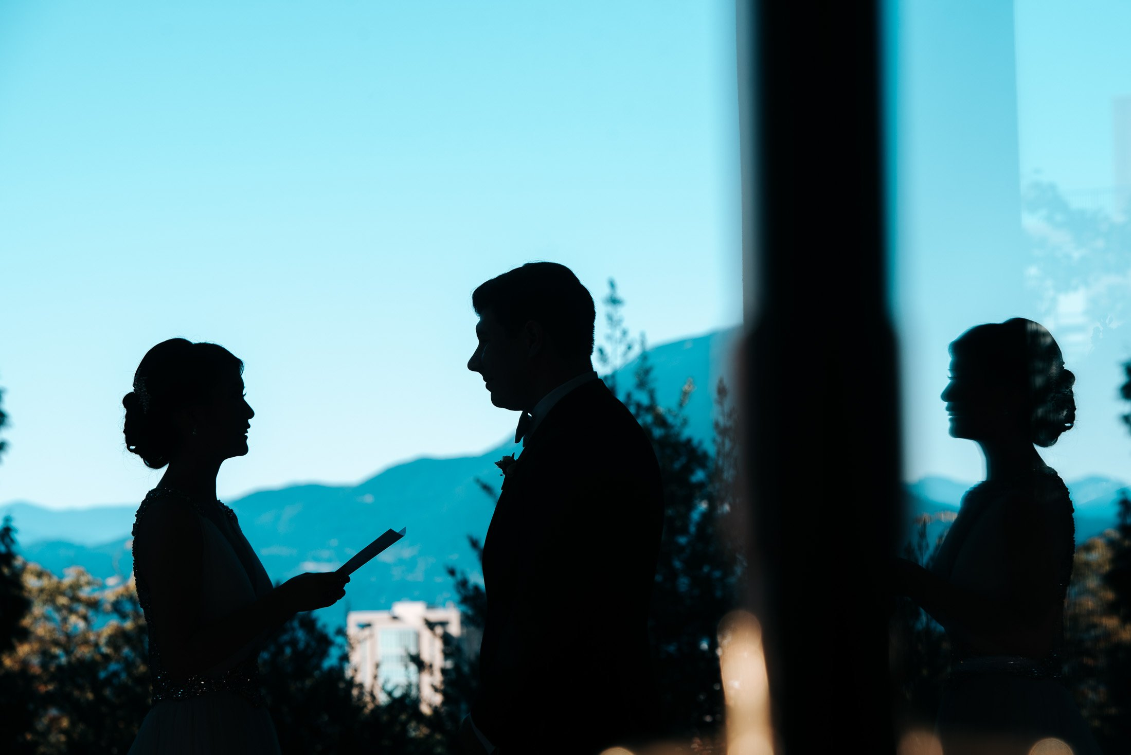 015 - vows at hycroft vancouver with mountain views