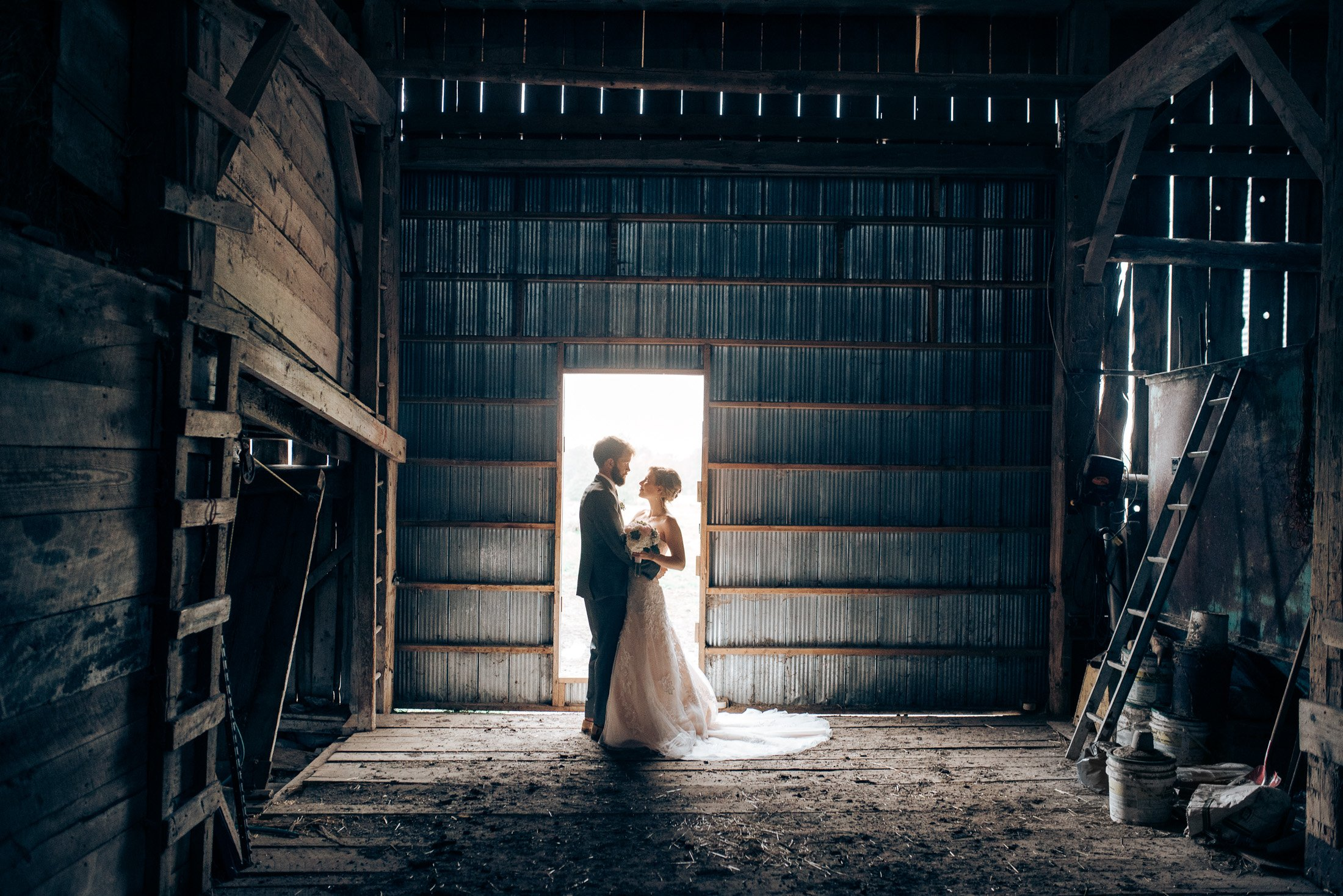 018 - barn wedding photos