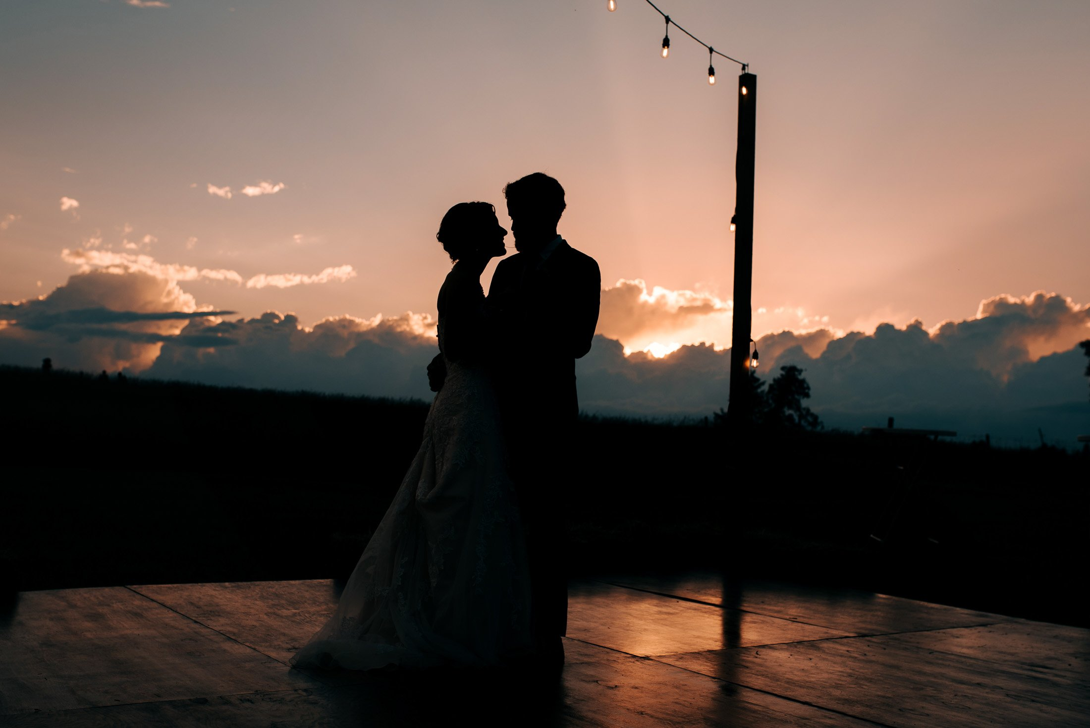028 - wedding first dance outdoors sunset