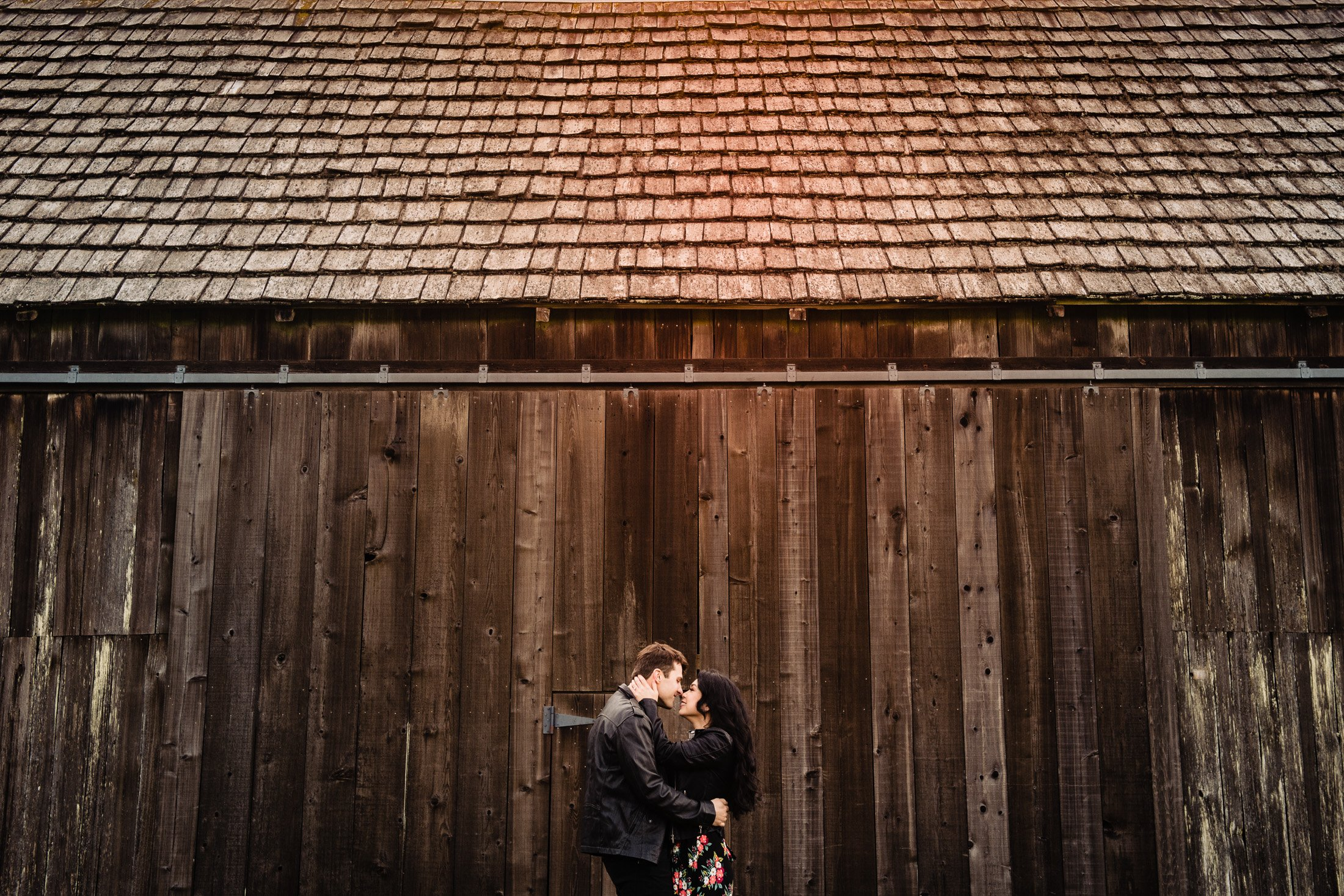 023 - barn engagement sessions