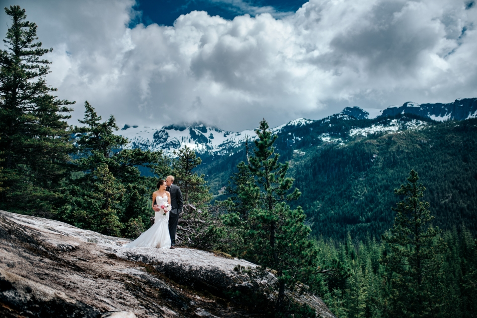 009 - sea to sky gondola wedding