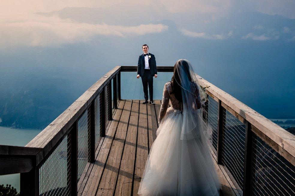091 - award winning first look wedding photo