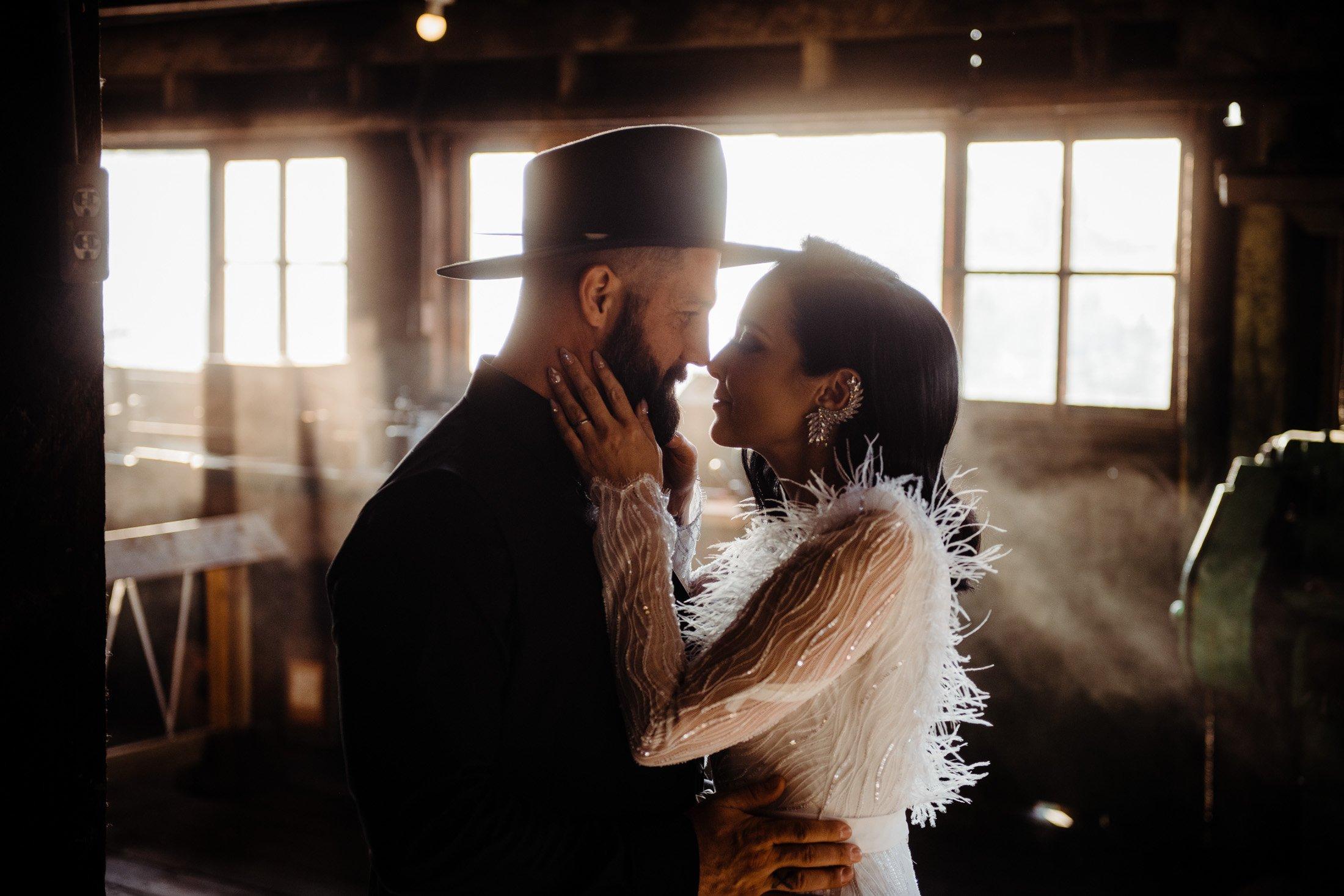 018 - cowboy hat wedding photo